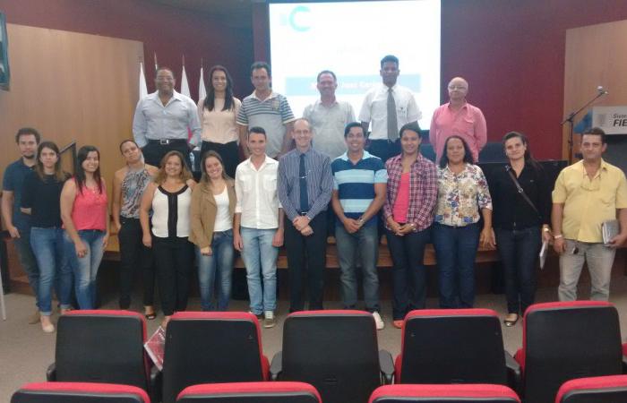 Participantes do Seminário com nosso Consultor Sr. Moacir José Cerigueli.